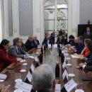 El Decano del Colegio Profesional de Politólogos y Sociólogos de la C. Madrid, Lorenzo Navarrete, asiste al encuentro con representantes del Partido Popular organizado por la UICM